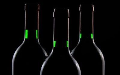 Que tiene la etiqueta del vino